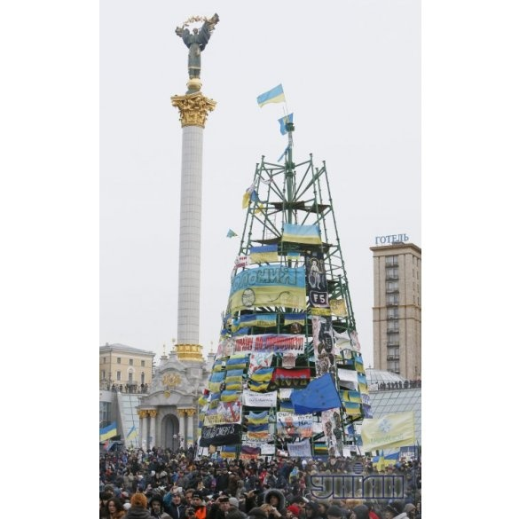 LIKE: Як змінювалася головна ялинка України протягом 10-ти років